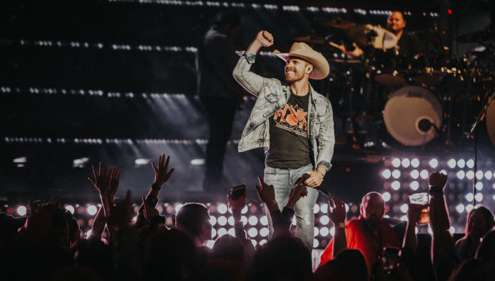 Dustin Lynch country star feature